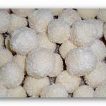 Beijinho de Coco - Rezept für leckere brasilianische Kokoskugeln